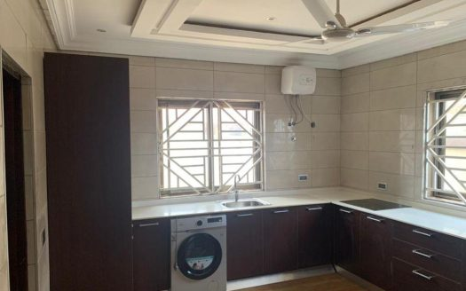 3 bedrooms house for sale at lakeside estate-best price